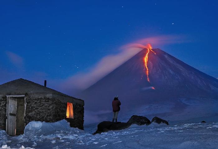 Soptící vulkán, Kamčatka