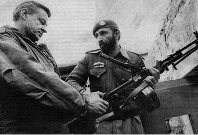 Setkání Z. Brzezinského a Usámy bin Ládina během vyzbrojování afghánských mudžahedínů proti sovětské armádě